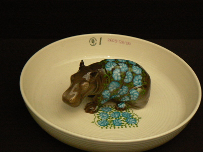 Animal bowl with hippo